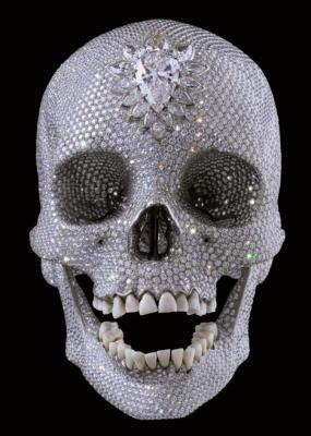 платиновый слепок черепа из восемнадцатого века, украшенный 8 601 бриллиантами, работы известного британского художника Дэмиен Херст