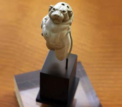 Статуэтка «Львица Гуэнолла» (Guennol Lioness)